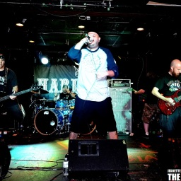 Photography by: Jeanette LeBlanc | September 30th, 2013 | Hard Luck Bar, Toronto | do not crop or modify this image
